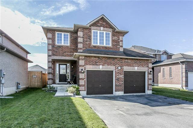 Detached at 1347 Corm St, Innisfil, Ontario. Image 1