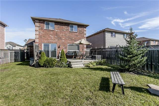 Detached at 1347 Corm St, Innisfil, Ontario. Image 9