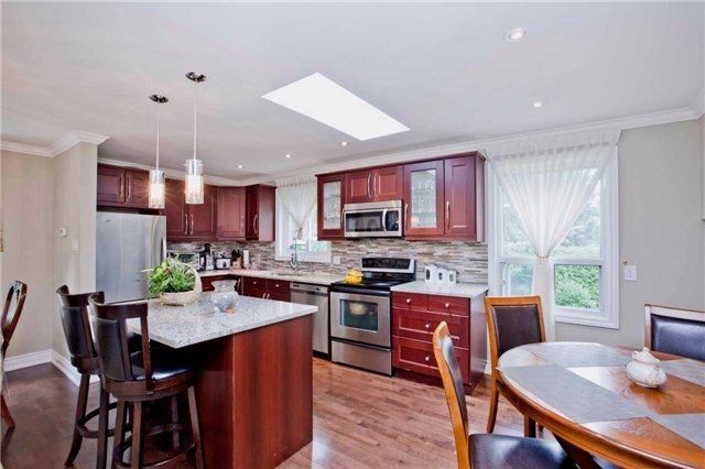 Detached at 81 Dawn Hill Tr, Markham, Ontario. Image 17
