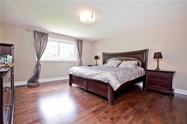 Detached at 81 Dawn Hill Tr, Markham, Ontario. Image 5