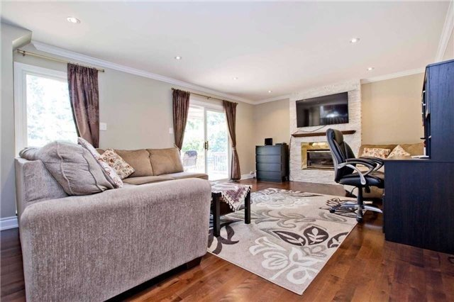 Detached at 81 Dawn Hill Tr, Markham, Ontario. Image 6