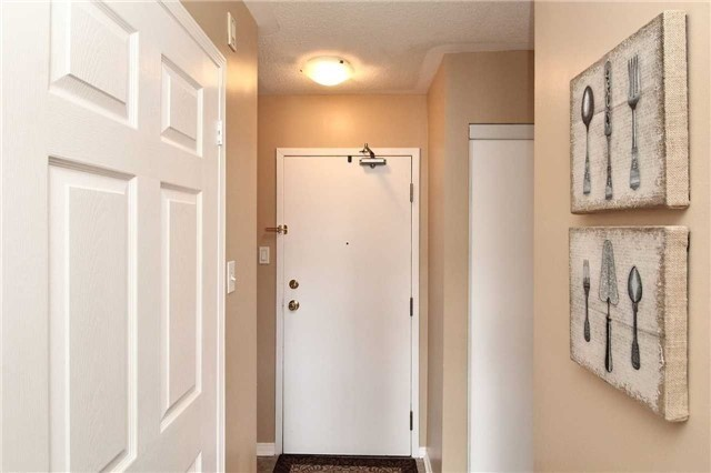 Condo Apartment at 110 Cornell Park Ave, Unit C212, Markham, Ontario. Image 15