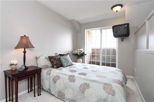 Condo Apartment at 110 Cornell Park Ave, Unit C212, Markham, Ontario. Image 6