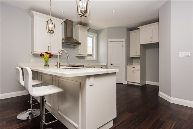Detached at 1167A Belle Aire Beach Rd, Innisfil, Ontario. Image 5
