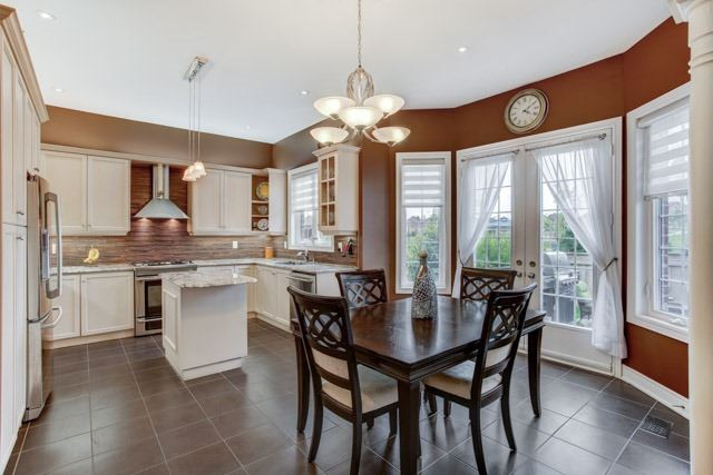 Detached at 106 Heritage Estates Rd, Vaughan, Ontario. Image 15