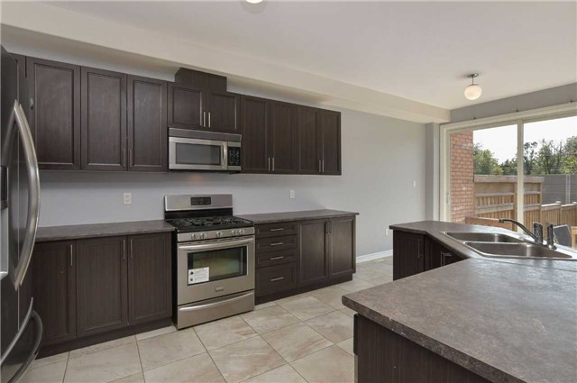 Townhouse at 31 Walker Blvd, New Tecumseth, Ontario. Image 15