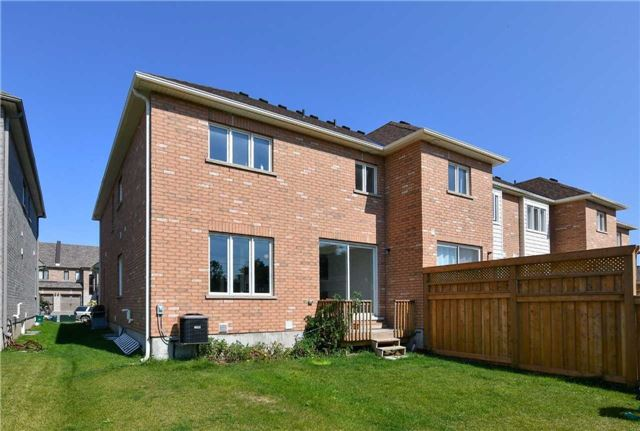 Townhouse at 31 Walker Blvd, New Tecumseth, Ontario. Image 11