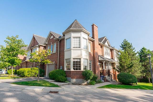 Condo Townhouse at 255 Shaftsbury Ave, Unit 19, Richmond Hill, Ontario. Image 1
