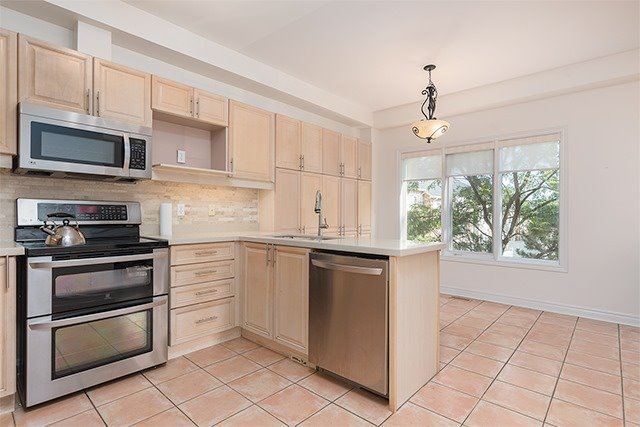 Condo Townhouse at 255 Shaftsbury Ave, Unit 19, Richmond Hill, Ontario. Image 14