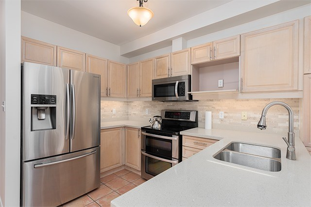 Condo Townhouse at 255 Shaftsbury Ave, Unit 19, Richmond Hill, Ontario. Image 15