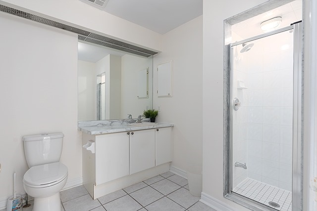 Condo Townhouse at 255 Shaftsbury Ave, Unit 19, Richmond Hill, Ontario. Image 2