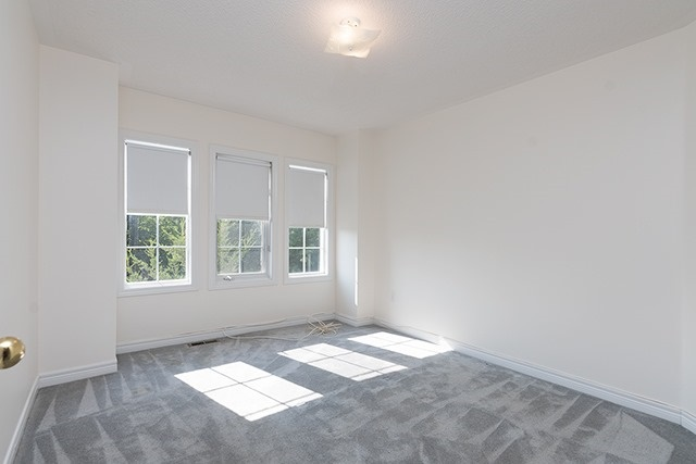 Condo Townhouse at 255 Shaftsbury Ave, Unit 19, Richmond Hill, Ontario. Image 4