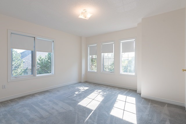 Condo Townhouse at 255 Shaftsbury Ave, Unit 19, Richmond Hill, Ontario. Image 5