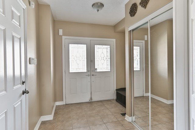 Townhouse at 53 Crestbank Crt, Vaughan, Ontario. Image 10