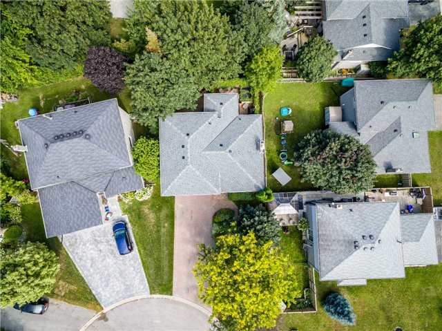Detached at 11 Jennifer Crt, Bradford West Gwillimbury, Ontario. Image 13