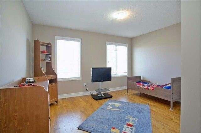 Townhouse at 19 Waterton Cres, Richmond Hill, Ontario. Image 17