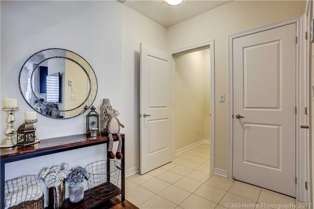 Condo Townhouse at 105 Kayla Cres, Unit 18, Vaughan, Ontario. Image 14