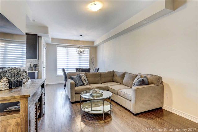 Condo Townhouse at 105 Kayla Cres, Unit 18, Vaughan, Ontario. Image 15