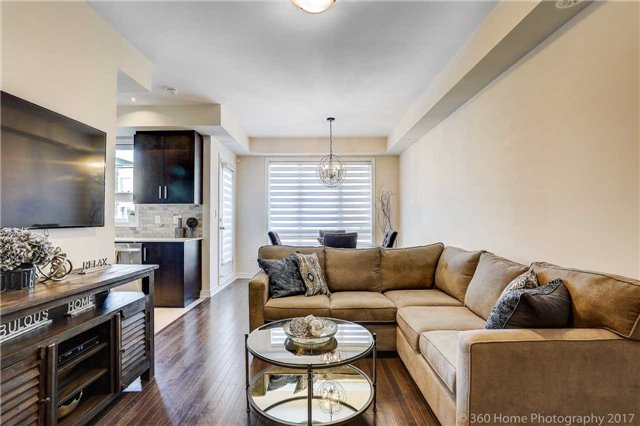 Condo Townhouse at 105 Kayla Cres, Unit 18, Vaughan, Ontario. Image 17