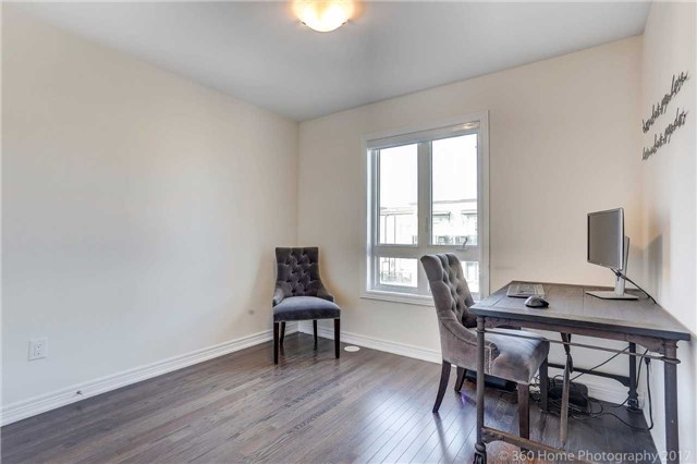 Condo Townhouse at 105 Kayla Cres, Unit 18, Vaughan, Ontario. Image 9