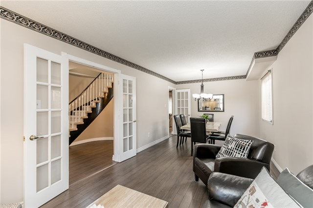 Detached at 206 Billings Cres, Newmarket, Ontario. Image 12