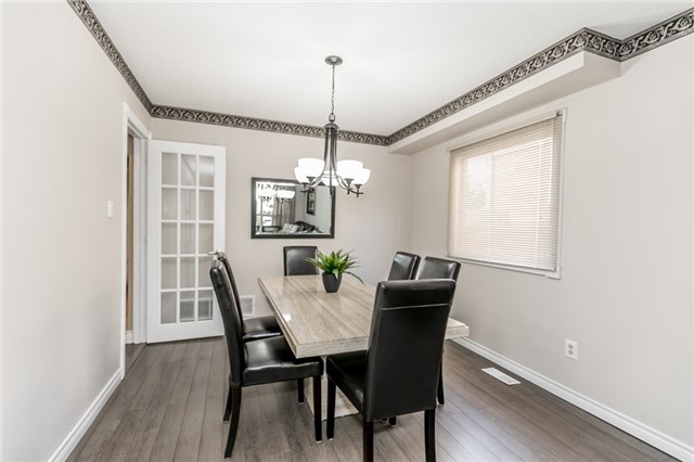 Detached at 206 Billings Cres, Newmarket, Ontario. Image 13