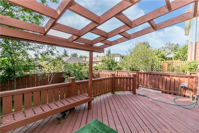 Detached at 206 Billings Cres, Newmarket, Ontario. Image 6
