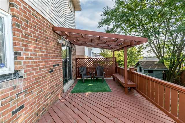 Detached at 206 Billings Cres, Newmarket, Ontario. Image 7