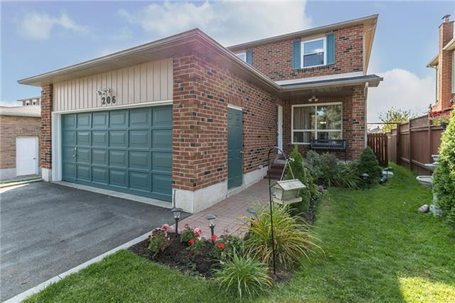 Detached at 206 Billings Cres, Newmarket, Ontario. Image 10