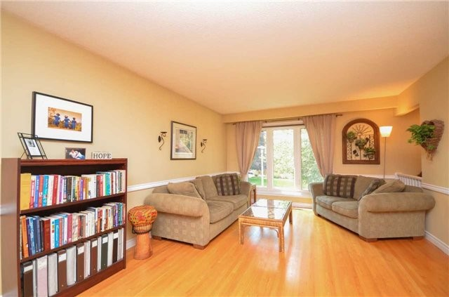Detached at 79 Vanzant Crt, Whitchurch-Stouffville, Ontario. Image 8