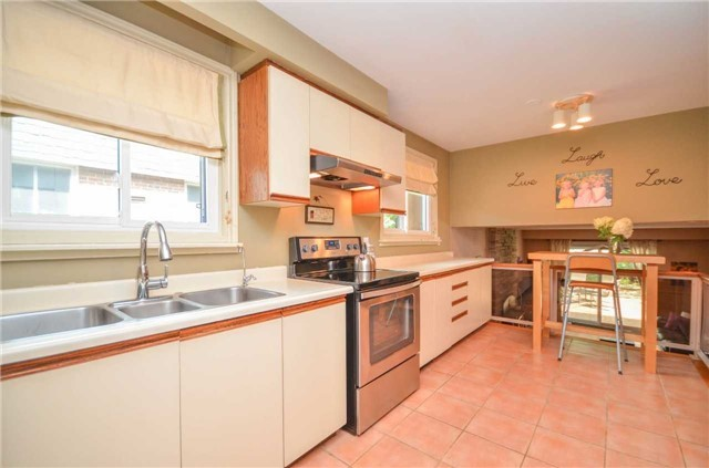 Detached at 79 Vanzant Crt, Whitchurch-Stouffville, Ontario. Image 10