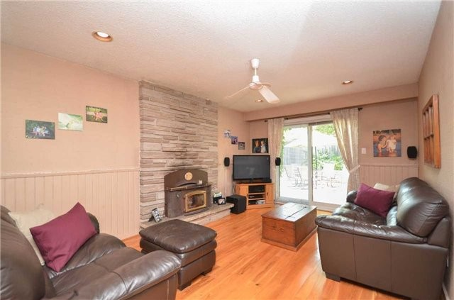 Detached at 79 Vanzant Crt, Whitchurch-Stouffville, Ontario. Image 11