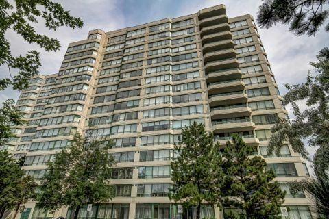 Condo Apartment at 110 Promenade Circ, Unit 706, Vaughan, Ontario. Image 1