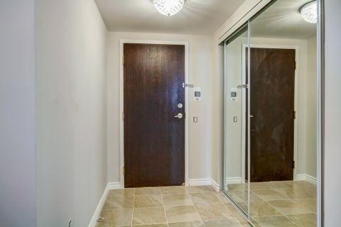 Condo Apartment at 110 Promenade Circ, Unit 706, Vaughan, Ontario. Image 12