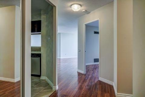 Condo Apartment at 110 Promenade Circ, Unit 706, Vaughan, Ontario. Image 14