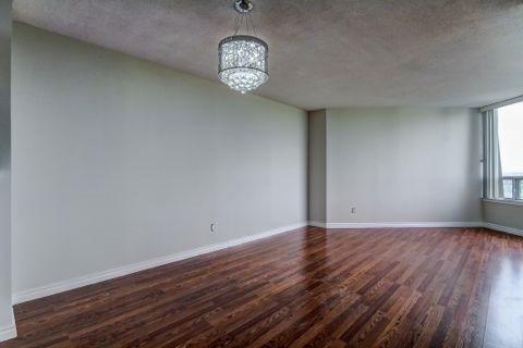 Condo Apartment at 110 Promenade Circ, Unit 706, Vaughan, Ontario. Image 15