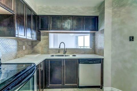 Condo Apartment at 110 Promenade Circ, Unit 706, Vaughan, Ontario. Image 6