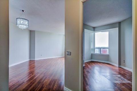 Condo Apartment at 110 Promenade Circ, Unit 706, Vaughan, Ontario. Image 7
