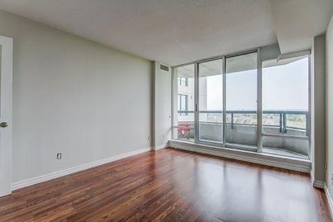 Condo Apartment at 110 Promenade Circ, Unit 706, Vaughan, Ontario. Image 9