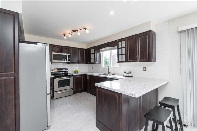 Detached at 87 Pine Bough Manr, Richmond Hill, Ontario. Image 16