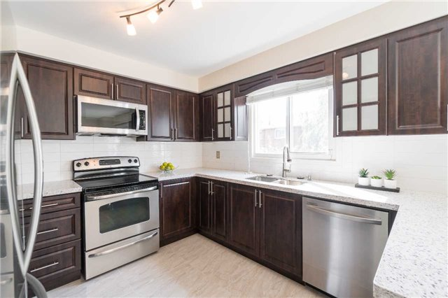 Detached at 87 Pine Bough Manr, Richmond Hill, Ontario. Image 17