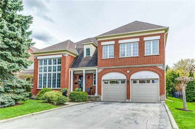 Detached at 990 Stonehaven Ave, Newmarket, Ontario. Image 1