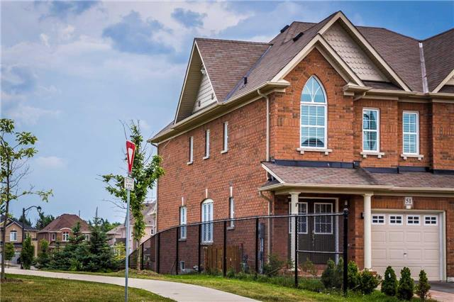 Semi-detached at 51 Harvest Hills Blvd, Newmarket, Ontario. Image 1