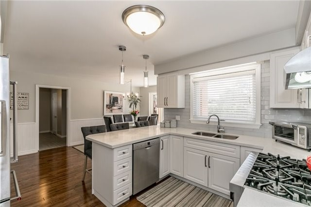 Detached at 69 Farr Ave, East Gwillimbury, Ontario. Image 16