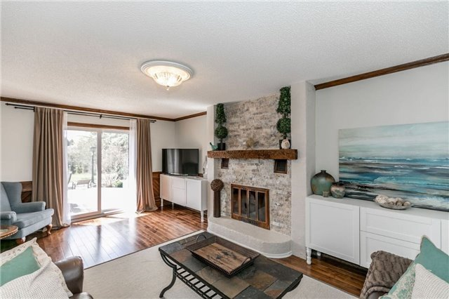 Detached at 69 Farr Ave, East Gwillimbury, Ontario. Image 4