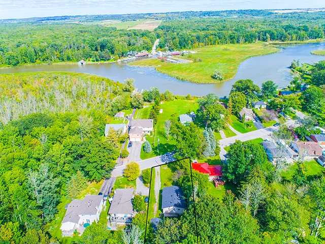 Detached at 104 River Dr, East Gwillimbury, Ontario. Image 10