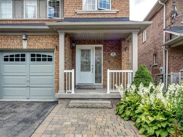 Semi-detached at 35 Orion Ave, Vaughan, Ontario. Image 12
