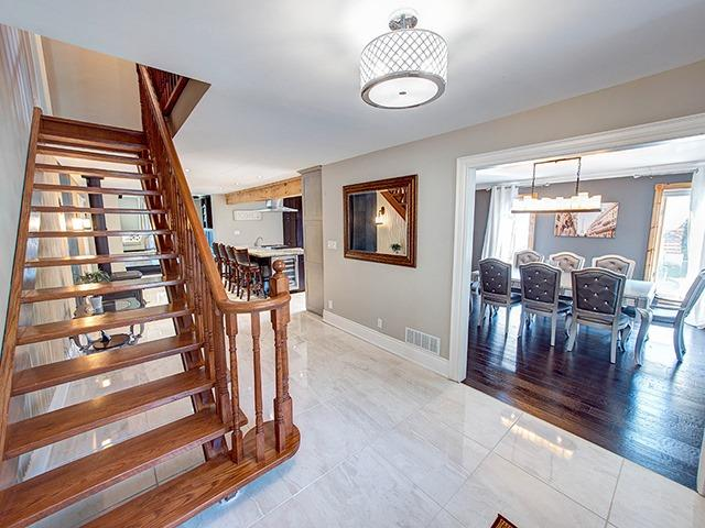 Detached at 45 Pleasant Ave, East Gwillimbury, Ontario. Image 12
