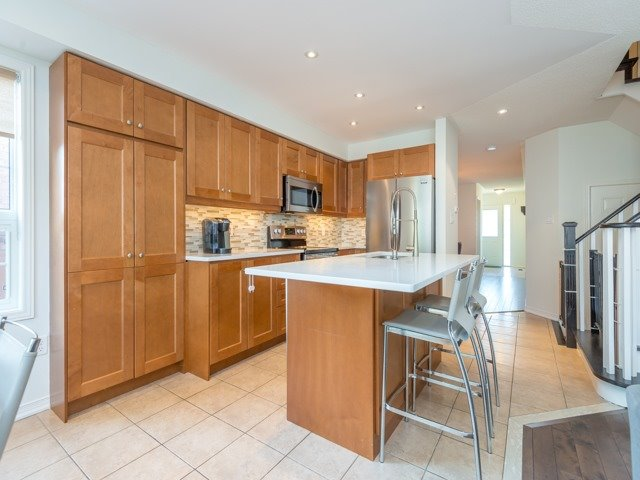 Semi-detached at 88 Cabin Trail Cres, Whitchurch-Stouffville, Ontario. Image 15