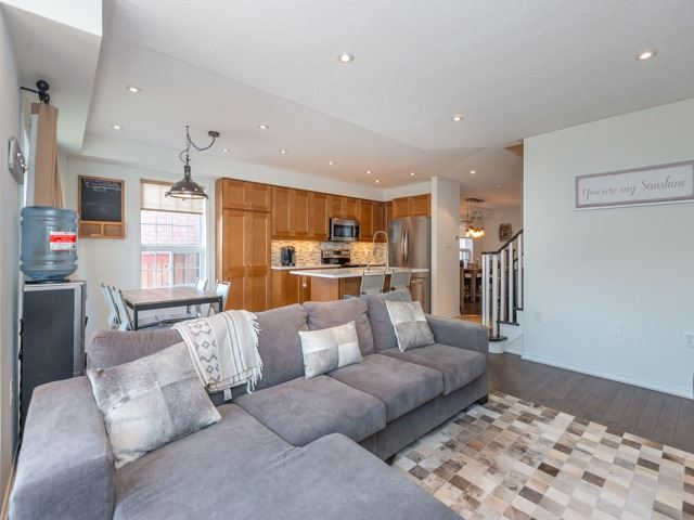 Semi-detached at 88 Cabin Trail Cres, Whitchurch-Stouffville, Ontario. Image 18